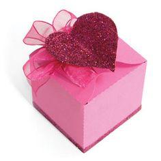 @ Kristin Clark - Sizzix Bigz Pro Die - Box w/Heart Closure.  Favor Box?