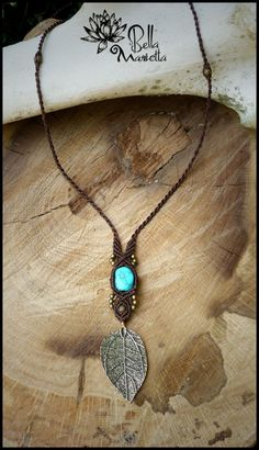 Pendentif de Blue Sea Forest de macramé. La main par BellaMarietta                                                                                                                                                                                 Plus