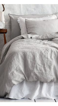 I absolutely LOVE sheets and pillows like this. So soft ♡