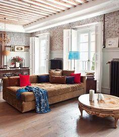 Charming Diese Adorable Wohnung In Madrid Ist Elegant Trifft Weinlese, Voll Von  Antiken Möbeln Und Mit Entzückenden Ursprünglichen Eigenschaften. Gallery