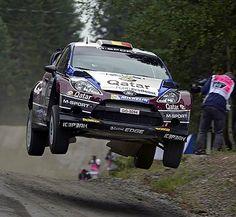 WRC Rally Finland 2013 - Neuville flatout on jumps!