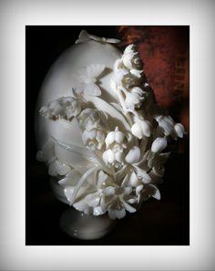 Chain Of Flowers, Faux Flowers, Paper Flowers, Porcelain Clay, Cold Porcelain, Ceramic Pottery, Ceramic Art, Sculpture Art, Sculptures