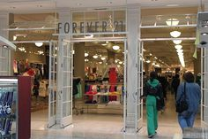 What it's really like shopping in forever 21. Pretty accurate and hilarious!