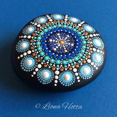 Dot Art Painting, Rock Painting Designs, Mandala Painting, Pebble Painting, Pebble Art, Mandala Art, Stone Painting, Mandala Painted Rocks, Mandala Rocks