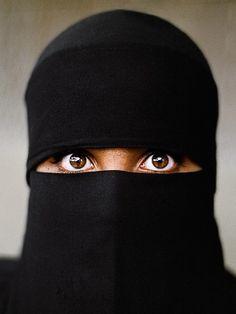 Eloquence of the Eye, Yemen   Steve McCurry