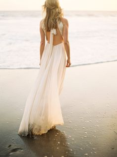Gorgeous golden hour beach bridal session: http://www.stylemepretty.com/2016/05/19/sunlit-malibu-hills-bride/ | Photography: Donny Zavola - http://www.donnyzavalaphotography.com/