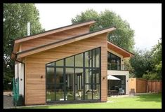 Mono pitched roof- One-sided pitch. Commonly used for modern and Mountain Modern. Modern House Plans, Modern House Design, Residential Architecture, Modern Architecture, Casas Country, Small Modern Home, Modern Homes, Cedar Homes, Roof Styles