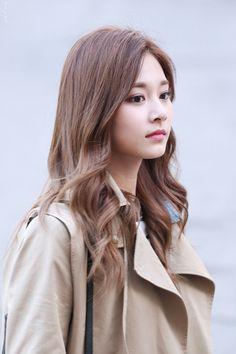Chou Tzuyu, Twice Kpop Girl Groups, Korean Girl Groups, Kpop Girls, Nayeon, Asian Woman, Asian Girl, Twice Tzuyu, Sana Momo, Chou Tzu Yu