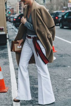 NYFW-New_York_Fashion_Week-Fall_Winter-17-Street_Style-Camel_Coat-White_Trousers-3
