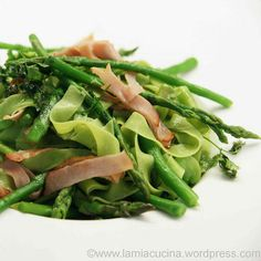 Green Noodles, Asparagus, broad Beans and Bacon