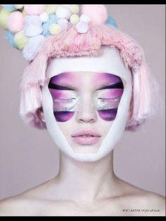 #haar en make up #zilver make up #pop #pastel make up #pon pons #rose haar #fashion robot