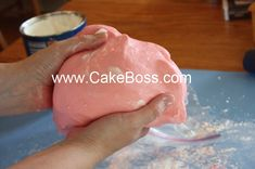 Marshmallow fondant recipe and tutorial by The Cake Boss