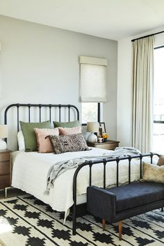 Interior Designer Carly Waters Redesigns a Modern Meets Vintage Home boho metal bed frame styling ideas - Mobilier de Salon Guest Bedrooms, Bedroom Paint Colors Master, Home Decor Bedroom, Home Bedroom, Cheap Home Decor, Home Decor, Minimalist Bedroom, Interior Design, Chic Home Decor