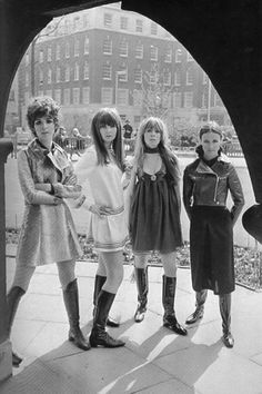 Hair and Boots: Linda Keith, Chrissie Shrimpton, Suki Poitier and Annie Sabroux wearing the Ossie Clark and Alice Pollock winter collection April 1967 Mod Fashion, 1960s Fashion, Vintage Fashion, Sporty Fashion, Fashion Women, British Fashion, Fashion Top, Fashion Styles, Fashion Photo