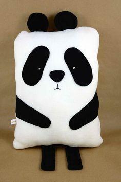 Kuscheliges Kissen in Pandabärform // panda pillow via DaWanda.com