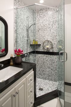Frameless Shower And Tiles