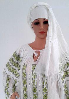 Marama lucrata manual Kimono Top, Costumes, Tops, Women, Fashion, Moda, Dress Up Clothes, Women's, La Mode
