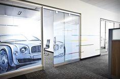 www.liaisonconcept.com | Audi & Volkswagen Finance - panneaux vitrés - Liaison Concept Volkswagen, Audi, Finance, Divider, Room, Furniture, Home Decor, Sign, Bedroom