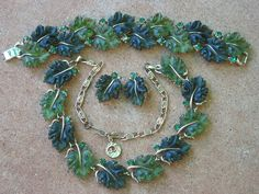 Vintage LISNER Green Leaf THERMOSET PARURE SET Necklace Bracelet Earring NICE