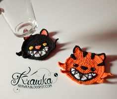 Halloween Coasters for kids and adults party. Free Crochet pattern at krawka.blogspot.com