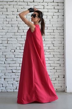 Plus size maxi pink dress - METD0017  A true masterpiece, this pink kaftan is a great clothing for your summer collection . It is extremely comfortable to wear, stylish and has a very modern look - what more can you ask for?  The loose form makes it perfect for every body type, the color suits all skin tones and the zipper is a nice front accent.  This dress is made of 100% cotton.  Find it in BLACK here: https://www.etsy.com/listing/294406035/newblack-maxi-dressloose...
