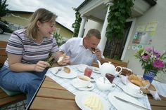 Urlaub im Weinviertel! Austria, Table, Home Decor, Graz, Wine, Vacation, Summer, Homemade Home Decor, Tables