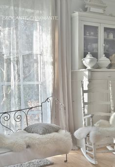 white living room - brocante-charmante