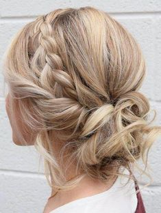 Stylish braided Messy Updo frisuren 15 Cute And Easy Braided Hairstyles Braided Hairstyles Updo, Girl Hairstyles, Hairstyles 2018, Hairstyle Short, Hairstyles Videos, Simple Hairstyles, Hair Updo, Braided Mohawk, Office Hairstyles