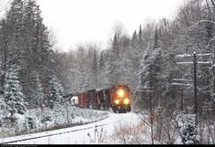 Net Photo: CN 5799 Canadian National Railway EMD at Burk's Falls, Ontario, Canada by Trevor Franklin Location Map, Photo Location, Canadian National Railway, Miles To Go, Ontario, Trains, Canada, Fall, Outdoor