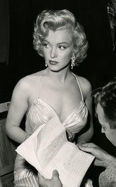 Estilo Marilyn Monroe, Marylin Monroe, Marilyn Monroe Portrait, Marilyn Monroe Photos, Old Hollywood Glamour, Classic Hollywood, Divas, Norma Jeane, Iconic Women