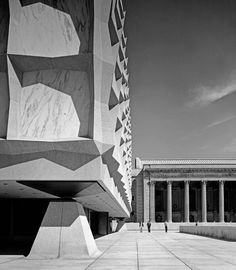 Beinecke Rare Book & Manuscript Library, Yale University (1963) | SOM : Gordon Bunshaft | Photo © Ezra Stoller/Esto