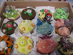 mixed selection of cup cakes www.facebook.com/xxluvleaxx
