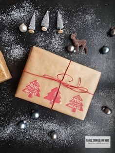 Upcycling und sinnvolles Schenken - Cakes, Cookies and more Merry Happy, Happy New Year, German, Gift Wrapping, Gifts, Diy, Photography, Old Newspaper, Brown Paper Packages