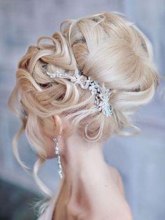 Long wedding hairstyles and wedding updos from Websalon Weddings / http://www.deerpearlflowers.com/websalon-weddings-wedding-hairstyles-and-updos/