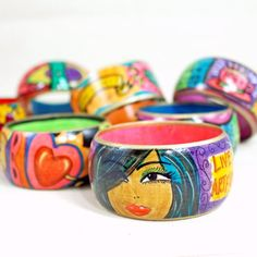 Use your felt markers to create an illustrated masterpiece on a wood bracelet!