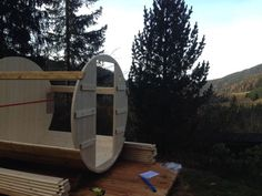 Saunafass, Saunabarrel von www.sisu-sauna.at Diy Sauna, Indoor Outdoor, Surfboard, Barrel, Park, Wood Furnace, Barrel Roll, Surfboards, Barrels