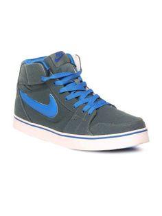 844f67b89360 23 meilleures images du tableau Jordan s Sneakers