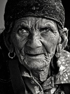 Old wise Gypsy,,,the life in those eyes....lovely