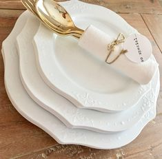 Timeless Chandelier Plate Collection. Modern Vintage White Party Plates. Disposable Wedding Plates. Disposable Buffet Party Plates. by PretaPartyNY on Etsy https://www.etsy.com/listing/544453608/timeless-chandelier-plate-collection