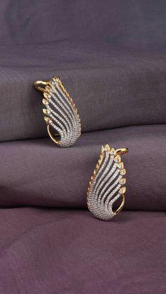 Ali baba Selani Gold and diamond splyer Dubai. Gold Jhumka Earrings, Jewelry Design Earrings, Gold Earrings Designs, Gold Jewellery Design, Necklace Designs, Pendant Jewelry, Gold Earings Studs, Gold Diamond Earrings, Antique Earrings