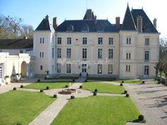 Façade Château de Villiers de Château de Villiers | http://www.chateau-de-villiers.com/en/contact.htmExample wedding - http://www.marchanddegoede.com/nini-and-chris/