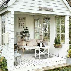 shabbychicmonamour chalet de jardin petite maison de jardin patio y jardin belle maison