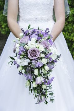 Winter Bridal Bouquets, Cascading Wedding Bouquets, Purple Bouquets, Bride Bouquets, Flower Bouquet Wedding, Lavender Wedding Theme, Purple Wedding Flowers, Bridal Flowers, Floral Wedding