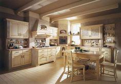 Arredamento in stile provenzale - Il legno dei mobili della cucina