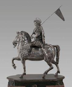 Sculture Preziose Musei Vaticani: Braccio di Carlo Magno Roma