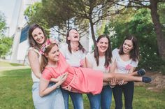 10 things to discuss with the bridal party before the wedding