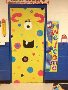 Monster door Teacher Door Decorations, Halloween Door Decorations, Halloween Themes, Halloween Crafts, Dojo Monsters, Monster Book Of Monsters, Monster Theme Classroom, Classroom Themes, Classroom Door