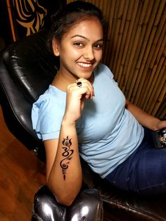 Om tattoo made in Gurgaon shop; call 8826602967 for appointment. Rose Tattoos For Women, Wrist Tattoos For Guys, Tattoo For Son, Hindu Tattoos, Body Art Tattoos, Arm Tattoos, Sleeve Tattoos, Symbol Tattoos, Om Trishul Tattoo
