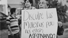 """""""Todavía hoy, vivimos en una sociedad en la que ser mujer, sigue siendo un motivo de discriminación, una sociedad que jamás llegará a ser justa o democrática, mientras la mitad de sus componentes, sigan sintiendo miedo al caminar solas por nuestras calles.""""  https://dowjonesalabaja.wordpress.com/…/…/20/querido-hombre/ Twitter: https://twitter.com/dow_baja Facebook: https://www.facebook.com/DOWJONES34/ Autor: https://twitter.com/SeijoDani"""