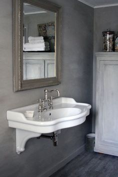 Inspirational idea's for the bathroom. Wish we had a bigger one! I love the cabinet